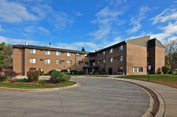 1560 Howard Avenue 1-3 Beds Apartment for Rent Photo Gallery 1