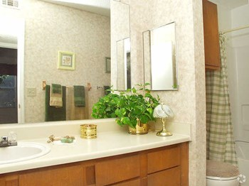 509 North Westover Blvd 1-2 Beds Apartment for Rent Photo Gallery 1