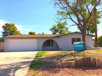 4441 W Cathy Cir 4 Beds House for Rent Photo Gallery 1