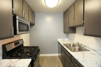 5415-5425 Sepulveda Blvd. Studio-2 Beds Apartment for Rent Photo Gallery 1