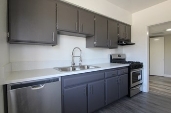 5425 Sepulveda Blvd 2 Beds Apartment for Rent Photo Gallery 1