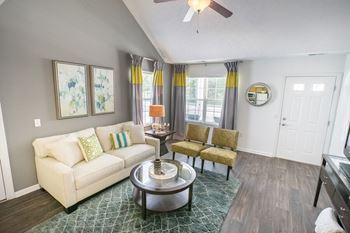 36550 Chester Rd 1-3 Beds Apartment for Rent Photo Gallery 1