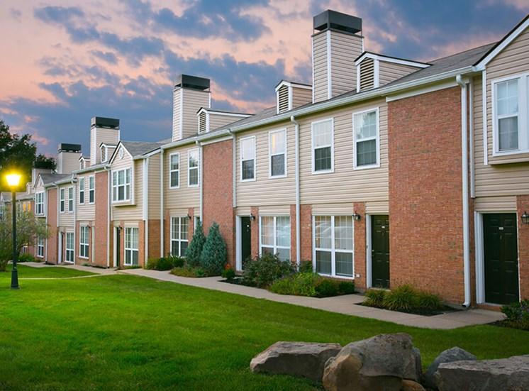 greenbelt Williamsburg Townhomes in Sagamore Hills OH