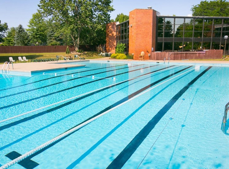 outdoor pool Williamsburg Townhomes in Sagamore Hills OH