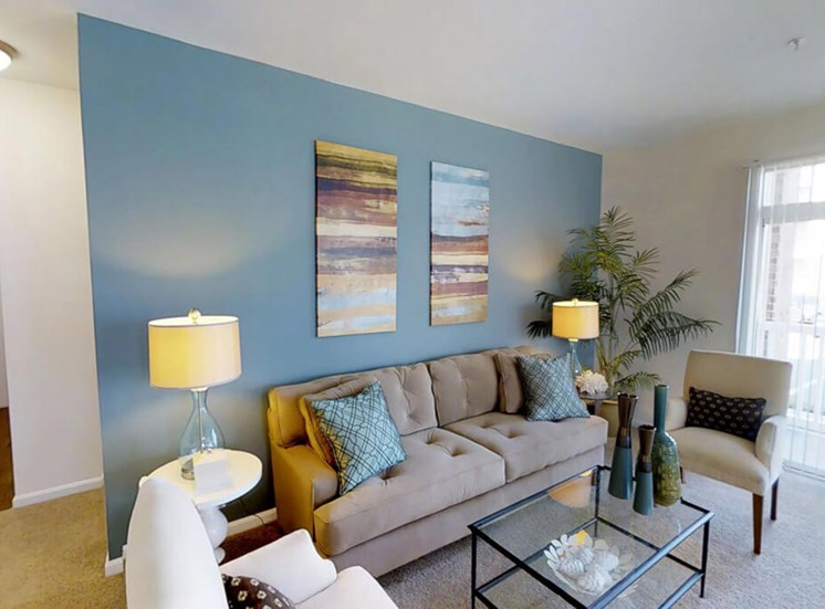 living area at Riverside Station in Woodbridge, VA