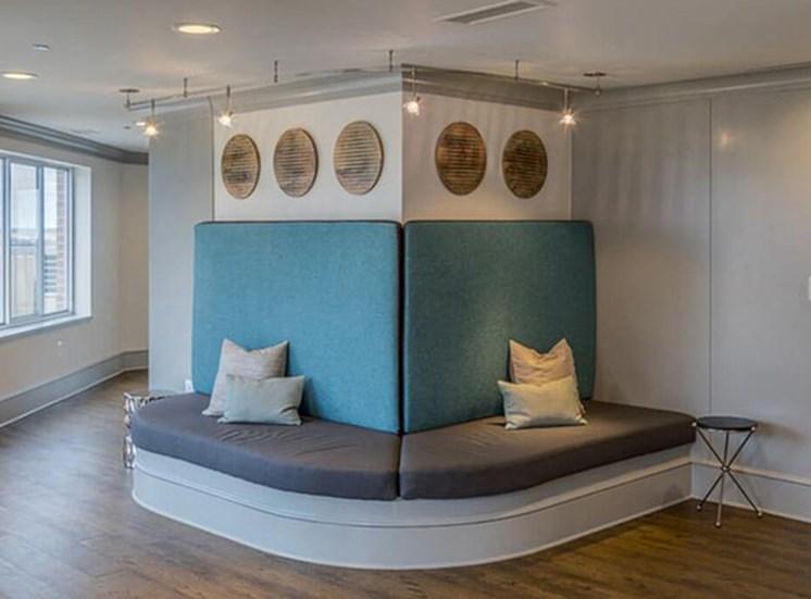 17th floor clubroom at The Alexander Apartments in Alexandria, VA