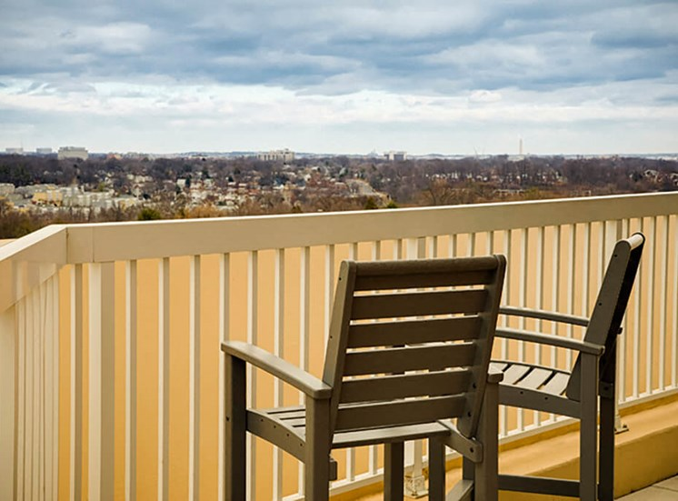 Open views to many of DC hotspots atThe Alexander Apartments in Alexandria, VA