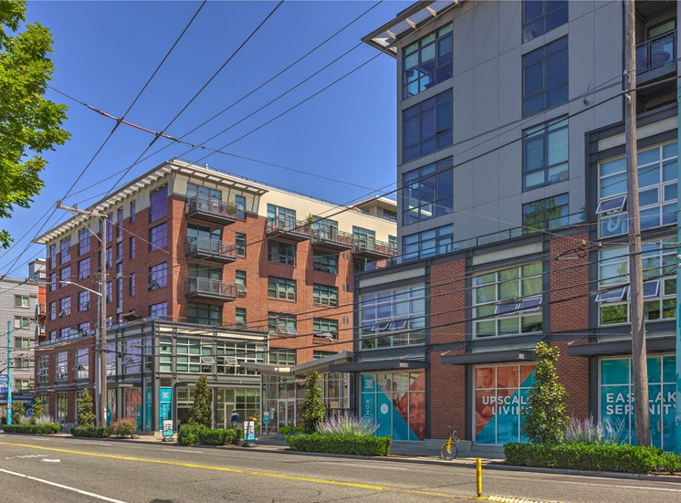 Apartments Available At Most Desirable Location at Equinox, Seattle