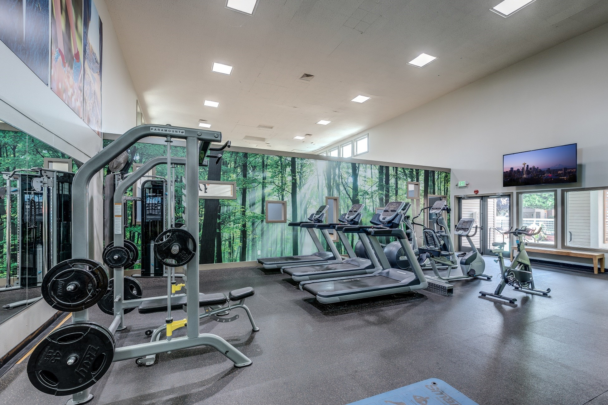 The Seasons - Fitness Center