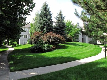 930 N Maple Grove Rd 1-3 Beds Apartment for Rent Photo Gallery 1