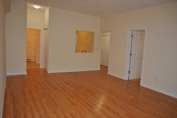 770 Boston Post Road 2 Beds Apartment for Rent Photo Gallery 1