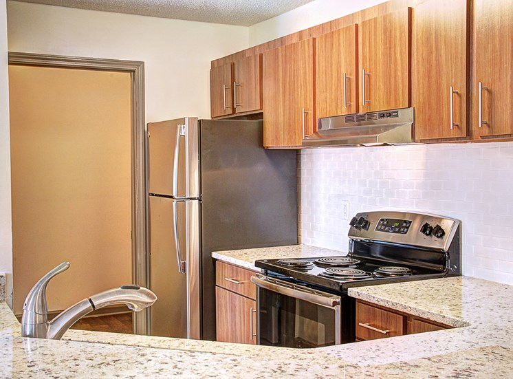 Luxury Apartments in Lawrenceville| Wesley St. Claire Apartments | Granite Countertops