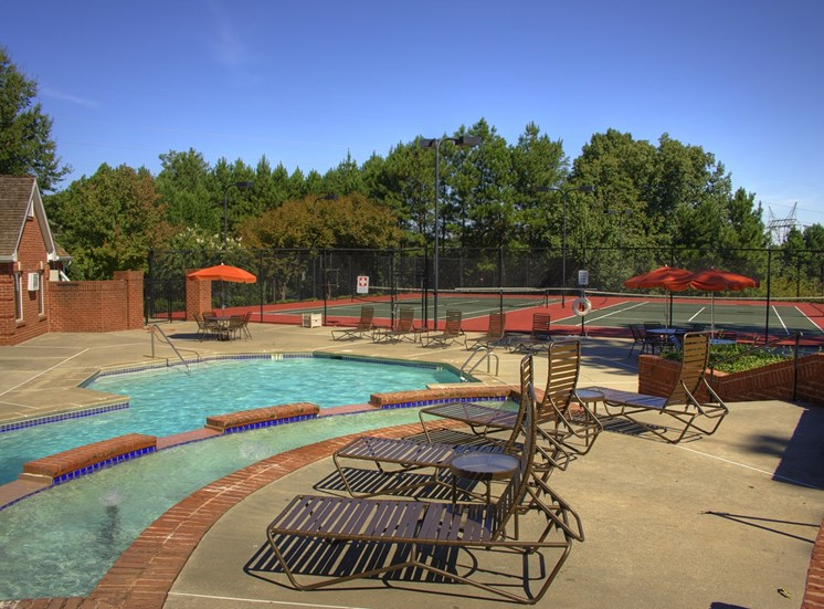 Luxury Apartments in Lawrenceville| Wesley St. Claire Apartments | Relaxing Pool