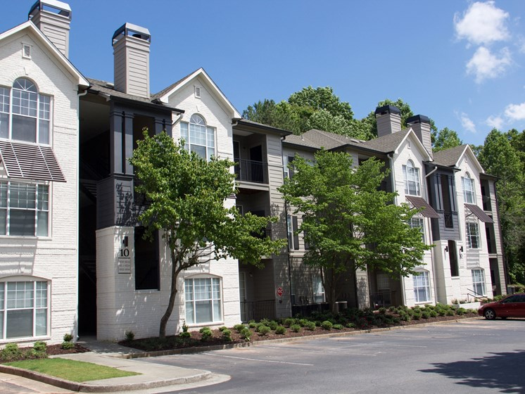 Luxury Apartments in Roswell | Wesley St. James Apartments | Welcome Home