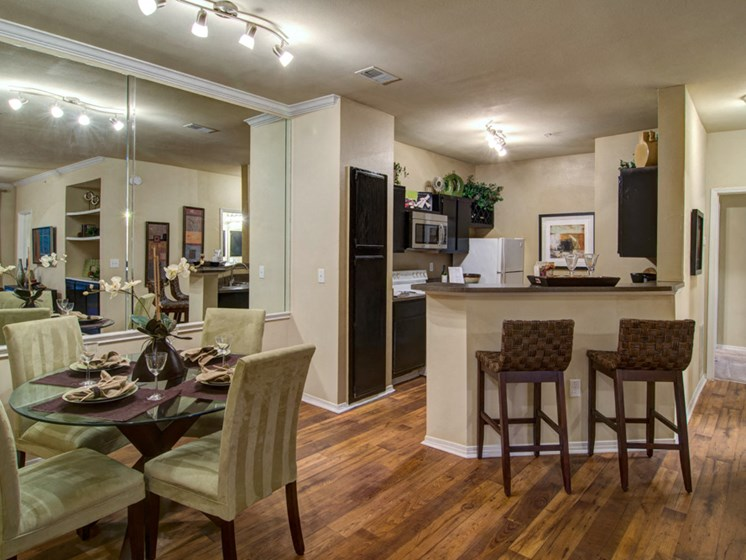 Luxury Apartments in Roswell | Wesley St. James Apartments | Large Apartments