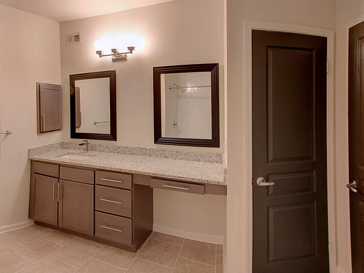 Luxury Apartments in Roswell | Wesley St. James Apartments | Large Bathrooms