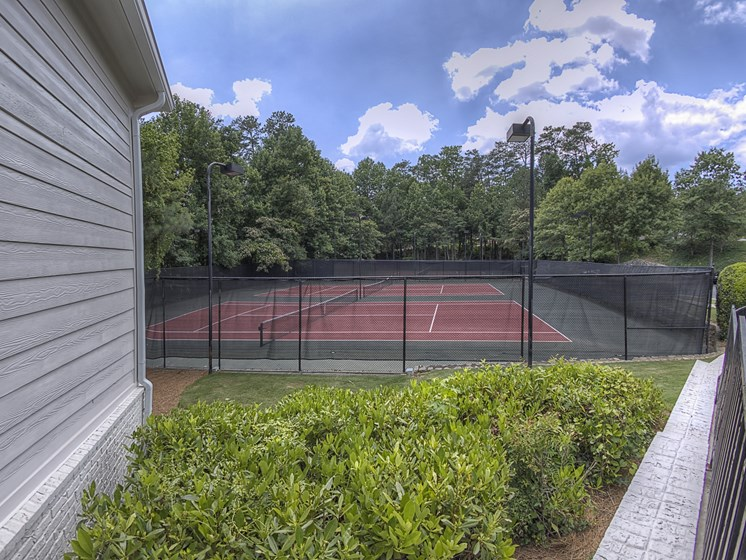 uxury Apartments in Roswell | Wesley St. James Apartments | Tennis Court