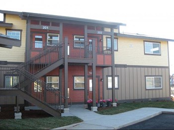 280 NE Jefferson Street #107 2-4 Beds Apartment for Rent Photo Gallery 1