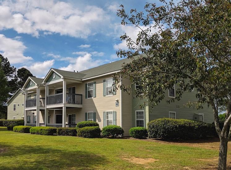 Viera Aiken Apartments in Aiken, SC well-kept exterior