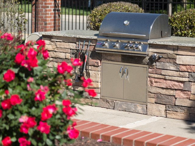 Outdoor bbq grills at The Belvedere Apartments in Richmond, VA