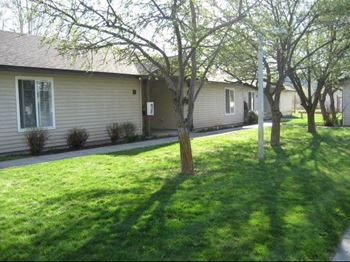 635 S. Main 1-2 Beds Apartment for Rent Photo Gallery 1