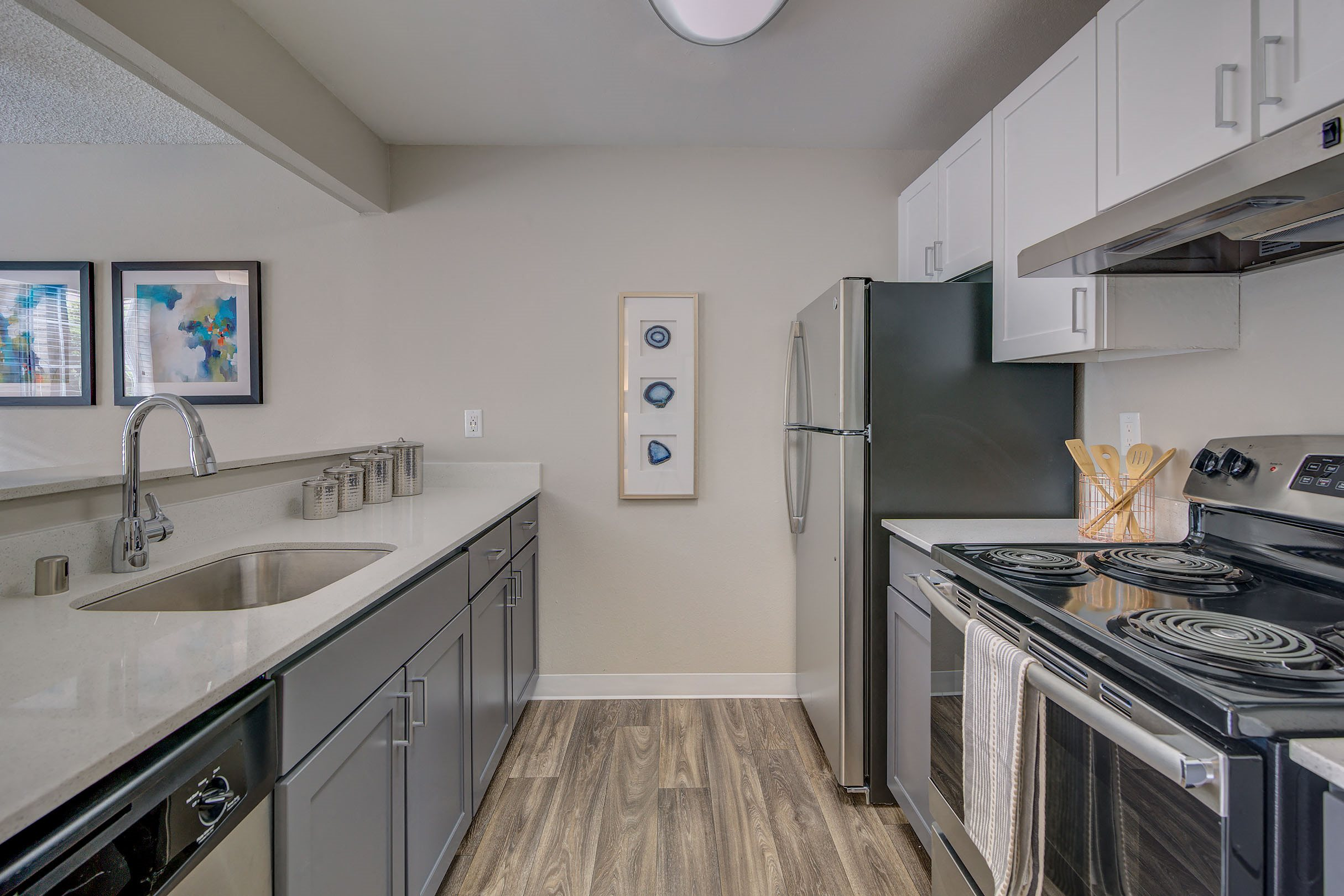 Kitchen l Align Apartments in Federal Way WA