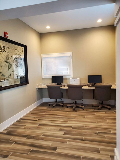 Business Center at Strathmore Apartment Homes in West Des Moines, Iowa