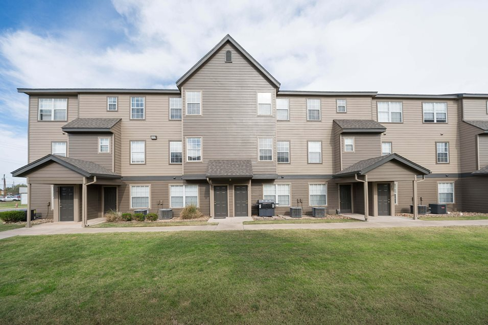 Photos And Video Of The Bristol Apartments In Lawton Ok