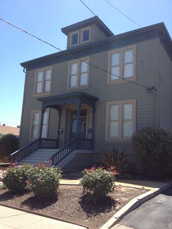 272 Washington Street Studio-1 Bed Apartment for Rent Photo Gallery 1