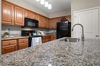 8940 North Shannon Avenue 1-3 Beds Apartment for Rent Photo Gallery 1