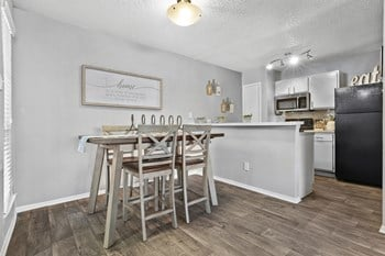 2115 Park Springs Circle 1 Bed Apartment for Rent Photo Gallery 1