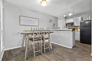 2115 Park Springs Circle 1-2 Beds Apartment for Rent Photo Gallery 1