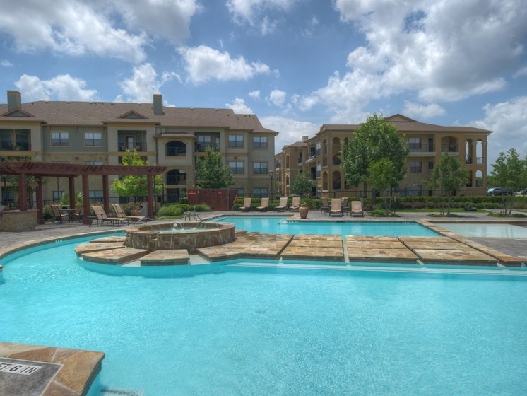 Sparkling Pool at Palm Valley Apartments, Round Rock, Texas