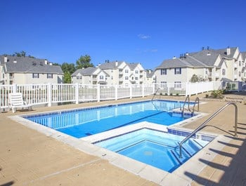 7000 Quail Lakes Dr. 1-3 Beds Apartment for Rent Photo Gallery 1