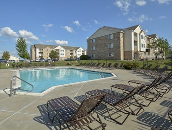 1310 SW Overlook Drive 1-3 Beds Apartment for Rent Photo Gallery 1