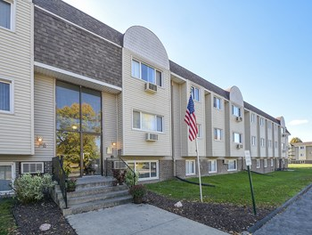 3816 106th Street #8 2 Beds Apartment for Rent Photo Gallery 1
