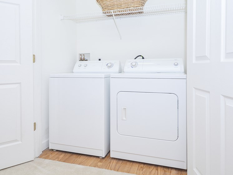 Closet with Washer and Dryer