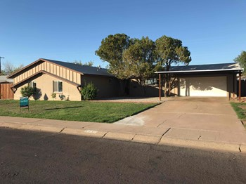 6432 W COLTER St 4 Beds House for Rent Photo Gallery 1