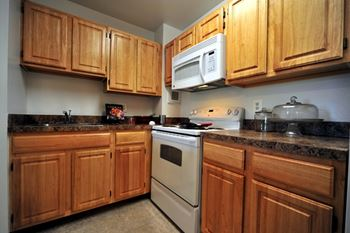 431 S Columbus St 1-2 Beds Apartment for Rent Photo Gallery 1