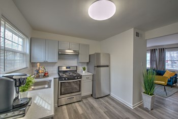 2342 Hampstead Ave #2 2 Beds Apartment for Rent Photo Gallery 1