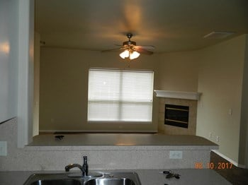 32 Northwest 155th Street 3 Beds House for Rent Photo Gallery 1