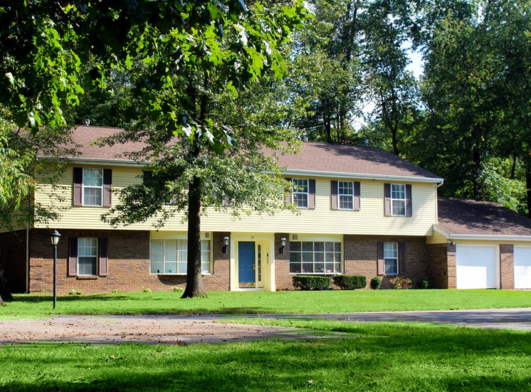Building 23 at Maple Lane Apartments in Elkhart
