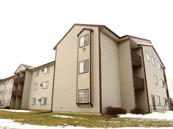 5303 Ivan St. 1-2 Beds Apartment for Rent Photo Gallery 1