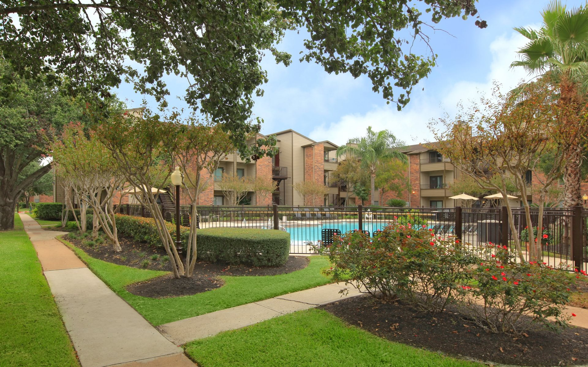 The Lakes of 610 Apartments | Apartments in Houston, TX