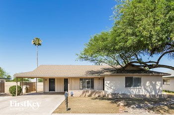 9608 N 43rd Dr 3 Beds House for Rent Photo Gallery 1