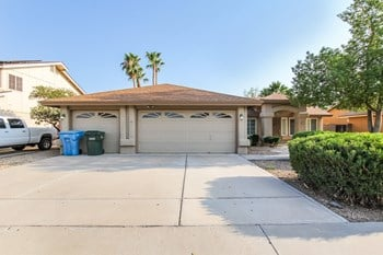 4446 W Creedance Blvd 4 Beds House for Rent Photo Gallery 1