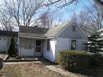 2511 East 16th Street 2 Beds House for Rent Photo Gallery 1