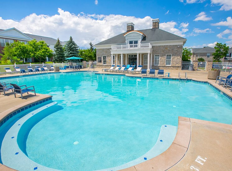 pool and hottub at The Residence at Barrington Apartments in Aurora, OH