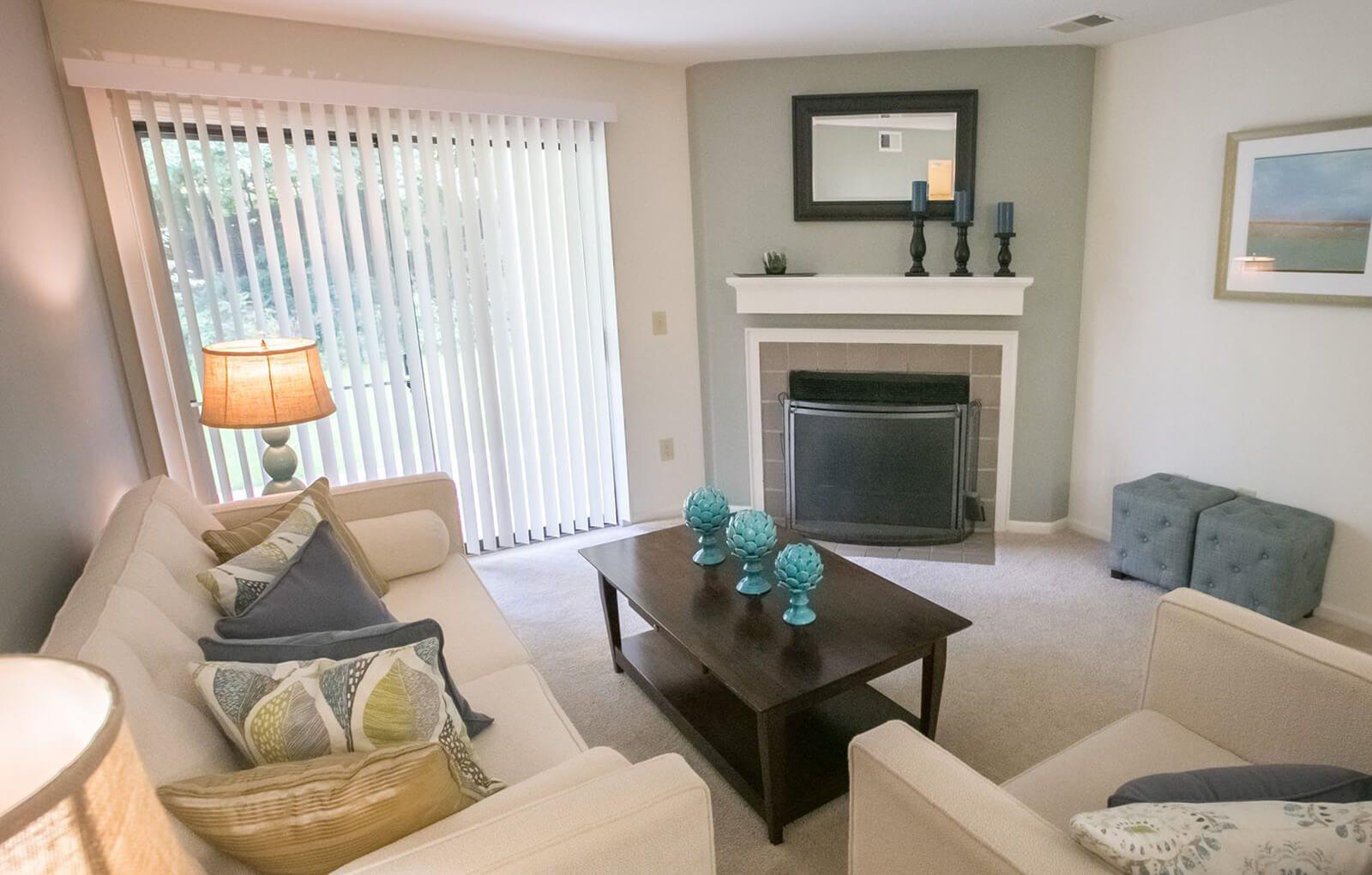 living room at the summer ridge apartments in Kalamazoo, MI