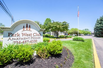 1621 Park West Dr. 1-3 Beds Apartment for Rent Photo Gallery 1